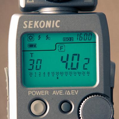 Fotómetro. 1/30, f4, ISO 1600
